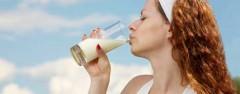 cura del corpo, consigli utili, dieta, cucina l'apporto di calcio ideale,osteoporosi,rischio di osteoporosi,ossa,alimenti che contengono calcio